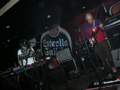 fotos del concierto con el columpio asesino en el playa club